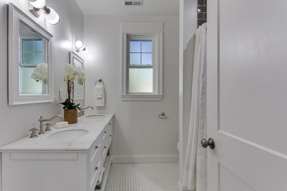 3722 Chesapeake St NW-large-026-77-Bathroom-1500x1000-72dpi