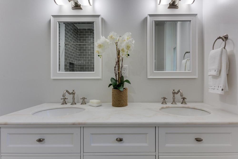 3722 Chesapeake St NW-large-028-50-Bathroom-1500x1000-72dpi