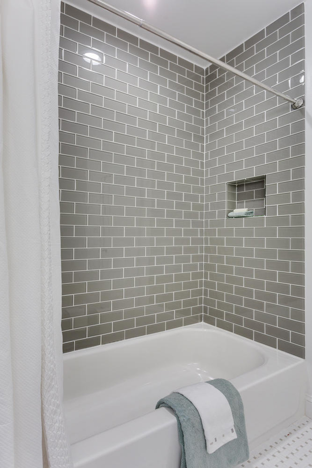3722 Chesapeake St NW-large-029-8-Bathroom-667x1000-72dpi