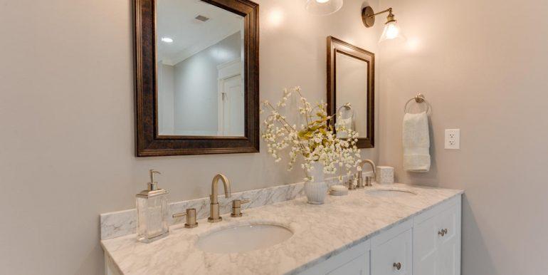 3722 Chesapeake St NW-large-050-27-Master Bath-1500x1000-72dpi