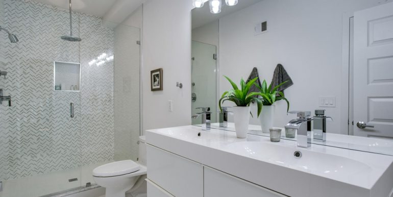 3911 Kansas Ave NW 1-large-034-40-Bathroom-1500x1000-72dpi