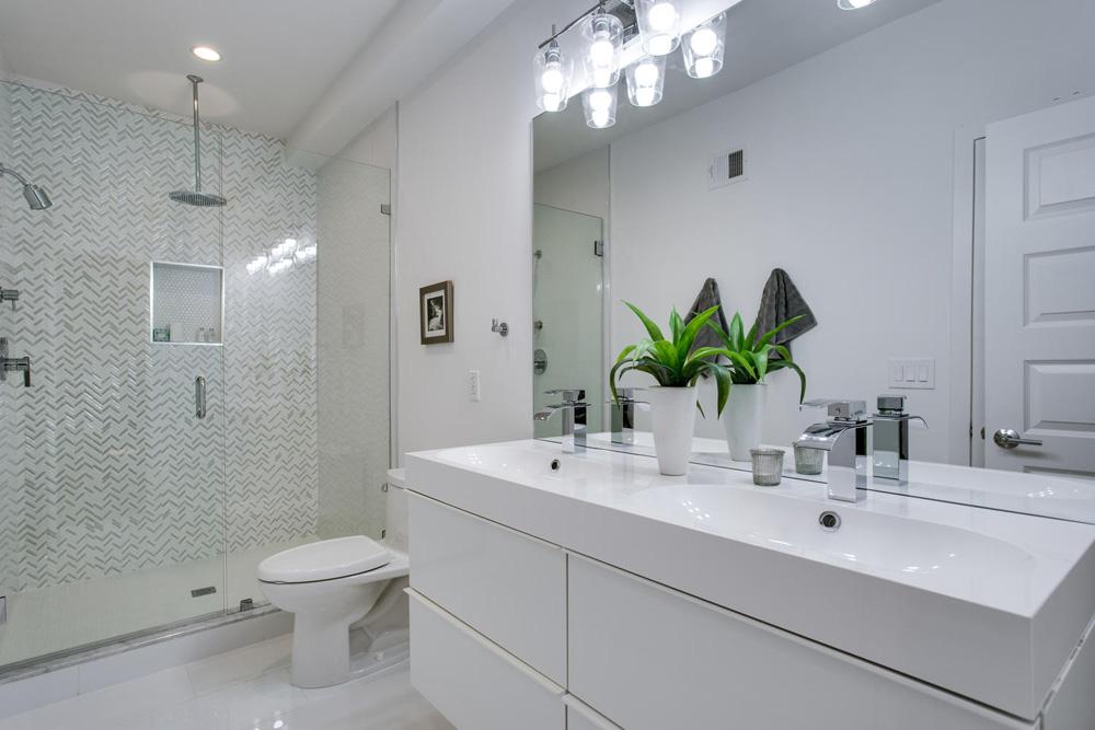 3911 Kansas Ave NW 1-large-034-40-Bathroom-1500x1000-72dpi