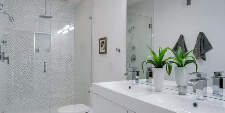 3911 Kansas Ave NW 1-large-035-9-Bathroom-667x1000-72dpi