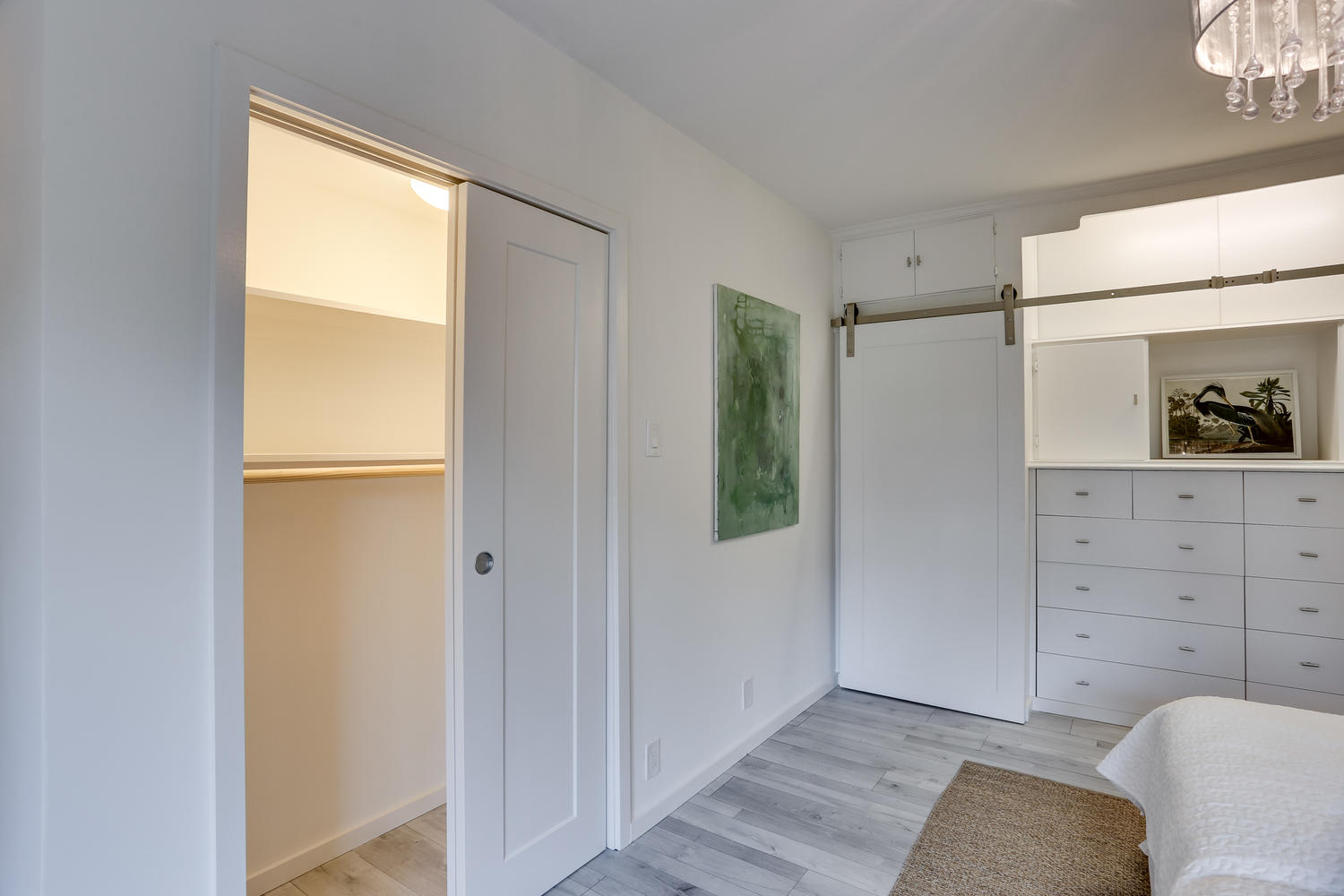 4201 Cathedral Ave NW 703W-large-002-9-Bedroom-1500x1000-72dpi