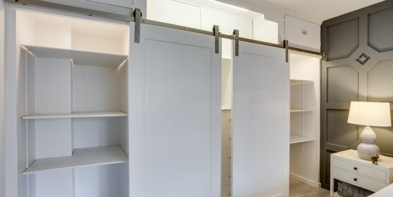 4201 Cathedral Ave NW 703W-large-003-2-Closet-1469x1000-72dpi