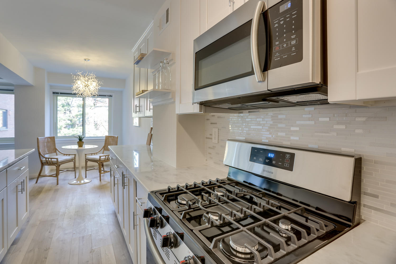 4201 Cathedral Ave NW 703W-large-008-17-Kitchen-1500x1000-72dpi