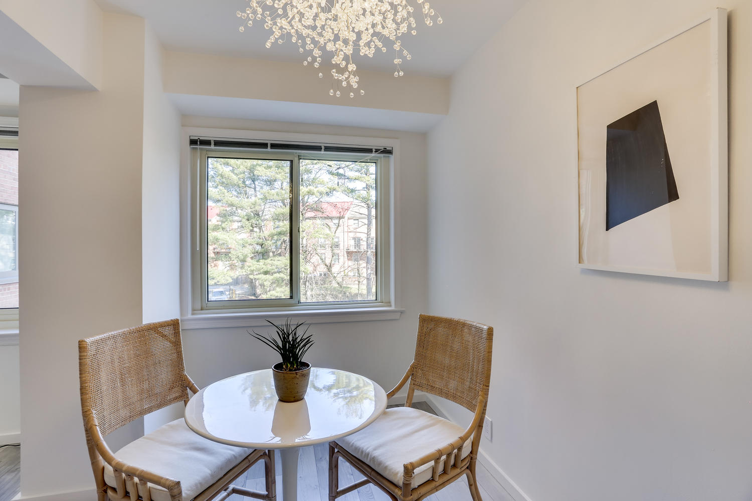 4201 Cathedral Ave NW 703W-large-019-33-Dining Area-1500x1000-72dpi