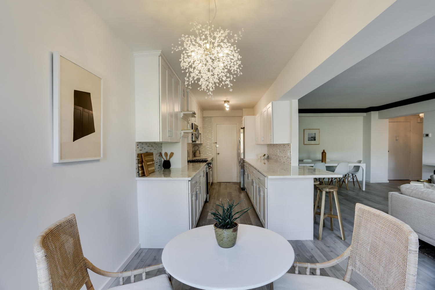 4201 Cathedral Ave NW 703W-large-020-30-Dining Area-1500x1000-72dpi