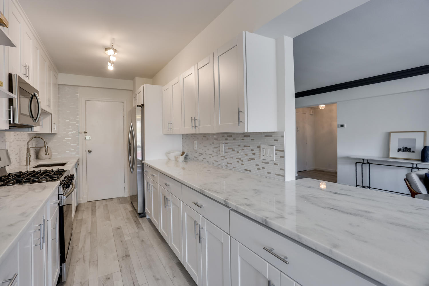 4201 Cathedral Ave NW 703W-large-023-18-Kitchen-1500x1000-72dpi