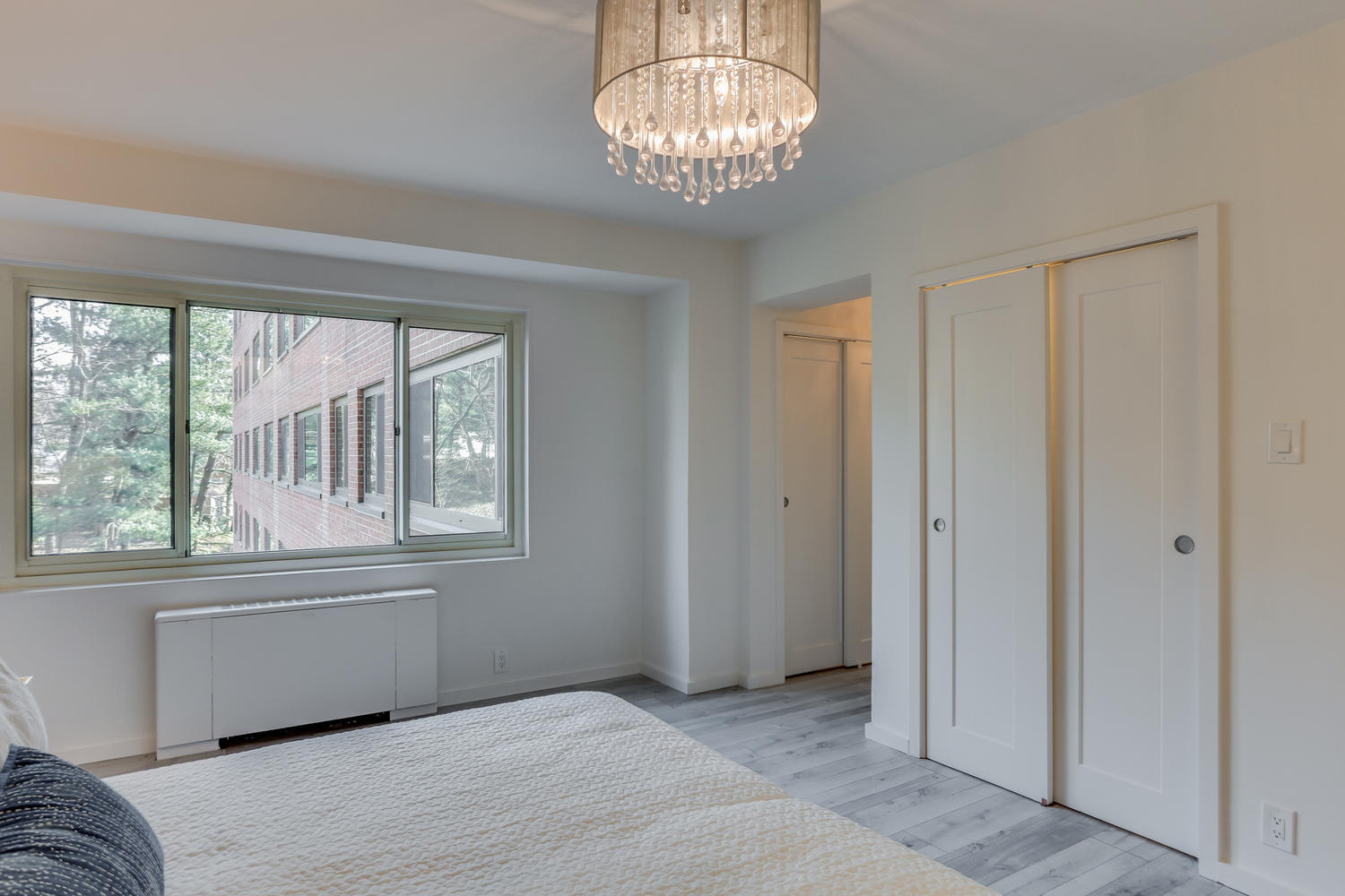 4201 Cathedral Ave NW 703W-large-026-20-Bedroom-1500x1000-72dpi