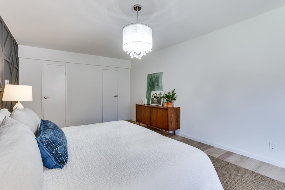 4201 Cathedral Ave NW 322W-large-036-32-Bedroom-1500x1000-72dpi