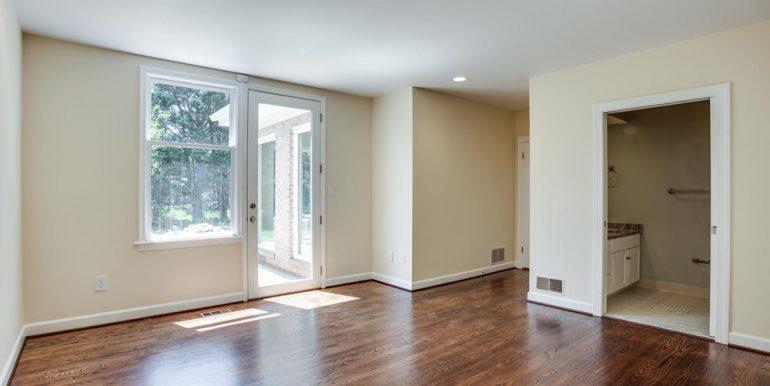 4112-Everett-St-Kensington-MD-large-045-62-Bedroom-1500x1000-72dpi