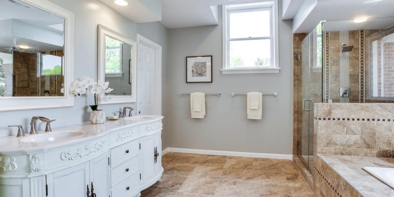 4112-Everett-St-Kensington-MD-large-052-6-Master-Bath-1500x1000-72dpi