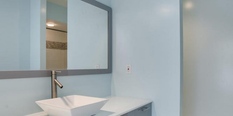 4112-Everett-St-Kensington-MD-large-070-3-Bathroom-667x1000-72dpi