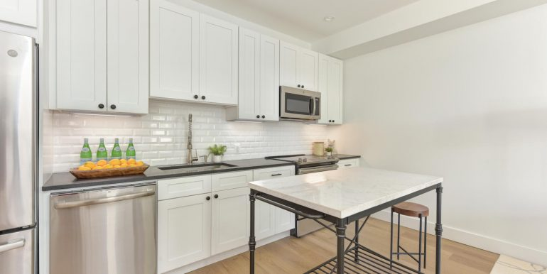 22 Bryant St NW Unit 2-large-010-034-Kitchen-1500x1000-72dpi