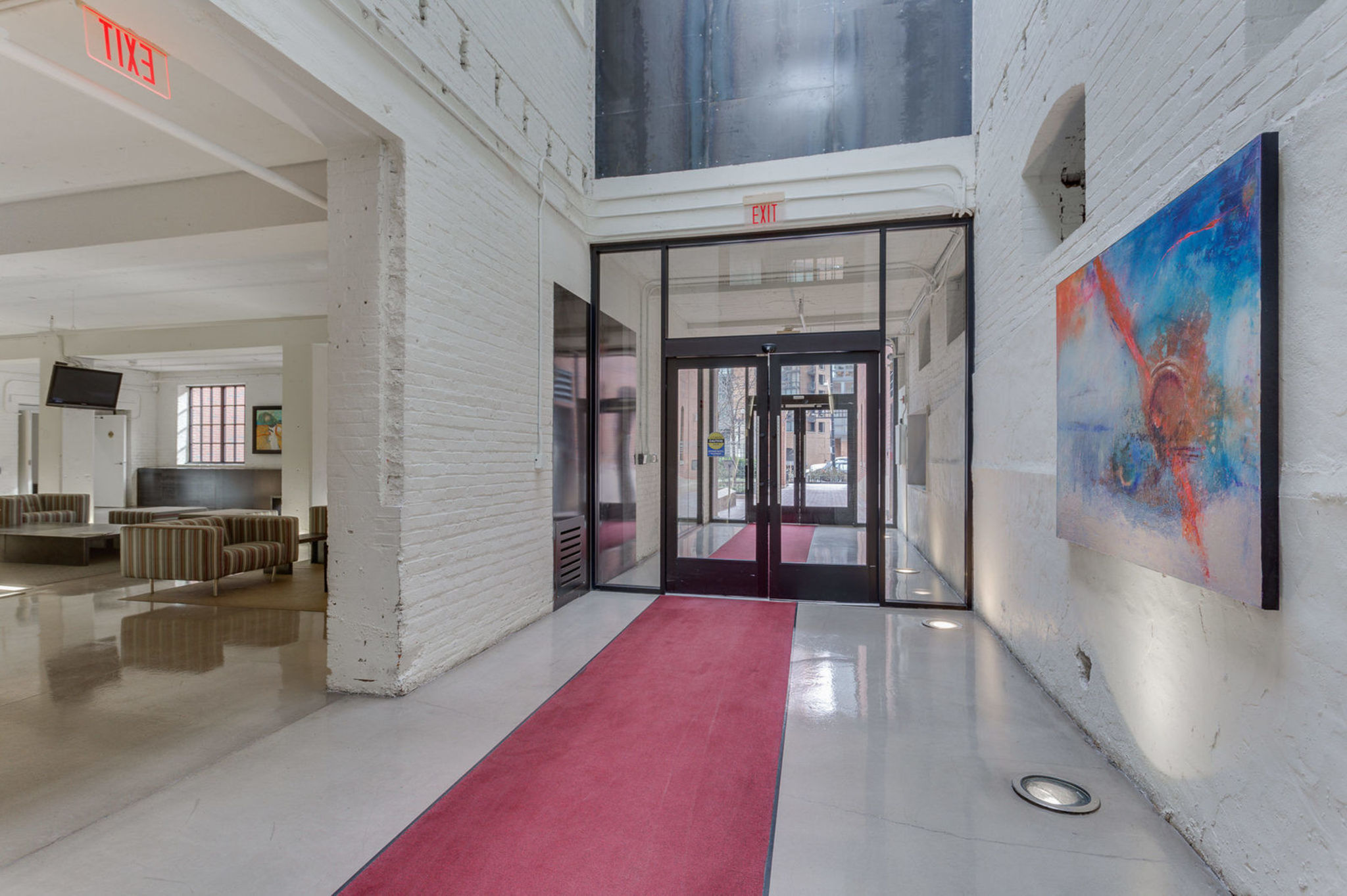 029_437_new_york_ave_nw_903-print-046-41-building_entryway-2048x1365-300dpi