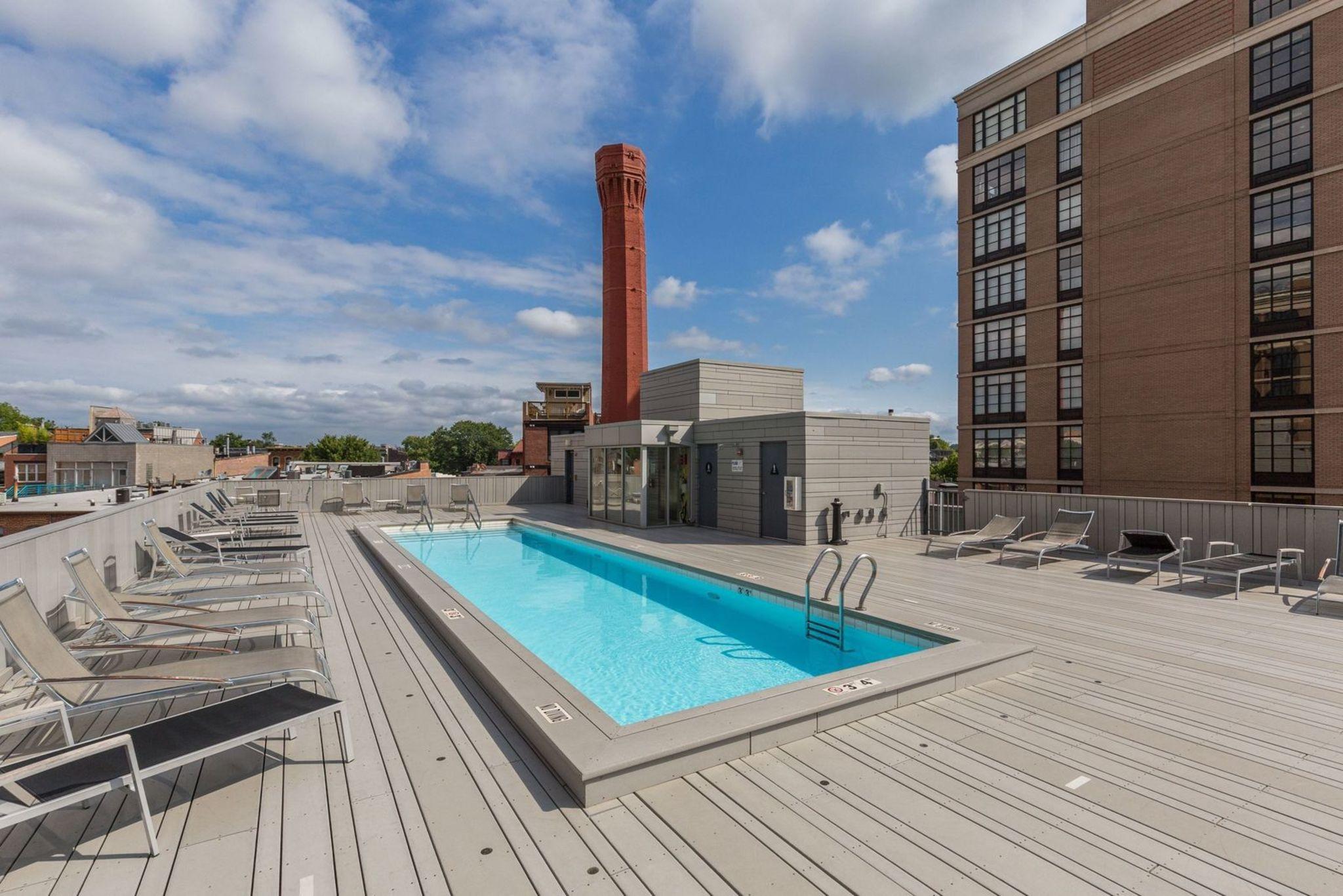 030_437_new_york_ave_nw_903-print-044-57-building_pool-3600x2400-300dpi